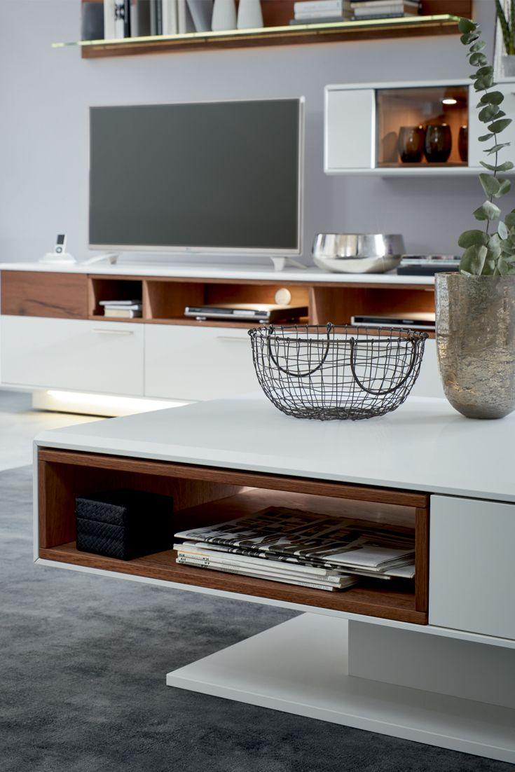 details couchtisch und wohnwand der interliving wohnzimmer serie 2102