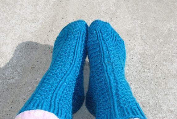 Mønsterstrikkede sokker