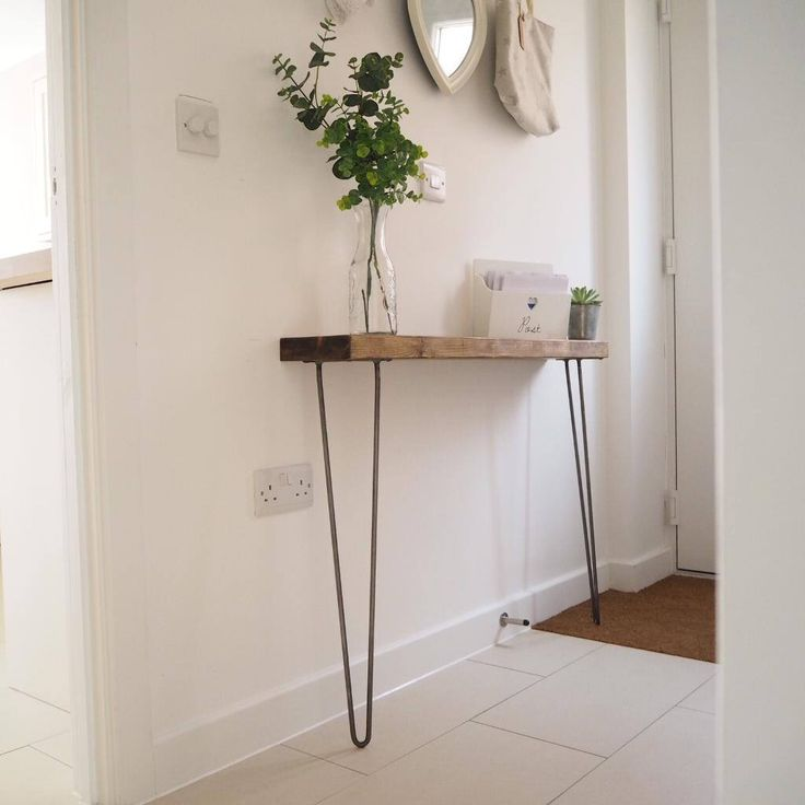 Narrow console table with hairpin legs by Applecratescouk on Etsy https://www.etsy.com/uk/listing/540739291/narrow-console-table-with-hairpin-legs