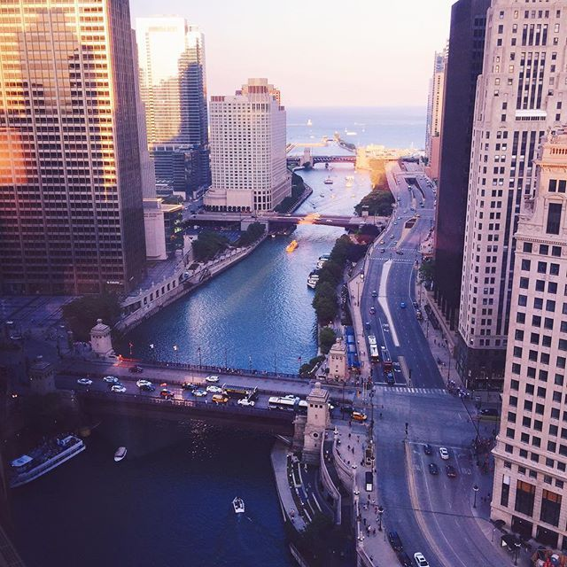Hi Chicago  It's my first time to this gorgeous city! Any must see/do/eat while we're here?! #chicago #gmgtravels