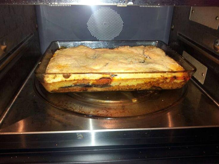 Ovenschotel Moussaka volgens een écht, Grieks recept.