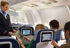 """""""Seit dem gestrigen Mittwoch ist bei Condor das erste Langstreckenflugzeug mit neuer Ausstattung unterwegs. Es startete von Frankfurt auf die Malediven.""""  - See more at: http://www.touristik-aktuell.de/nachrichten/cockpit/news/datum/2013/10/31/condor-premiere-fuer-die-neue-kabine/"""