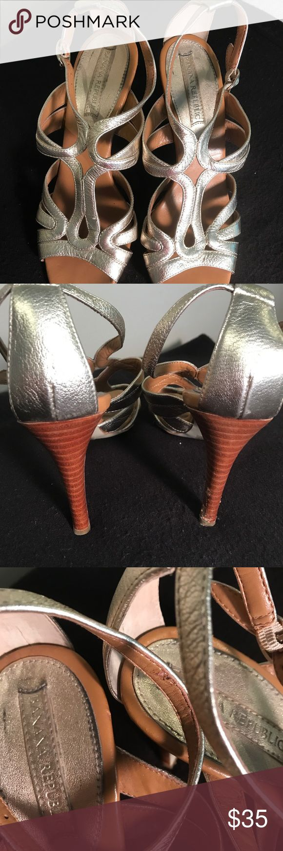 EUC Banana Republic gold metallic heels Sexy heels with metallic strapping creating a unique design that buckles on the ankle. Wear evident on the sole but inner sole and leather is in excellent condition. Banana Republic Shoes Heels