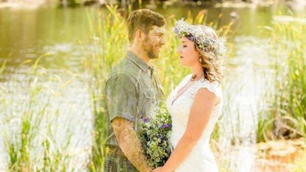 Hannah (22) laat huwelijksfoto's maken met overleden verloofde
