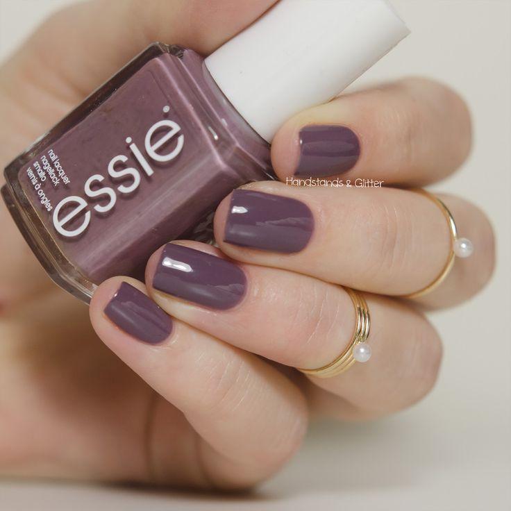 handstands & glitter: [Lacke] Essie - Merino Cool
