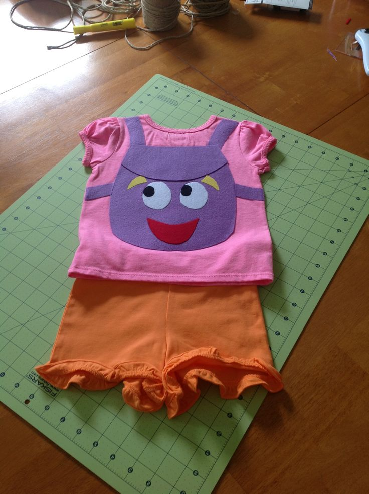 Dora the explorer costume. Dora's backpack from felt and fusible web ...iron on, no sewing. So easy for my almost two year old!
