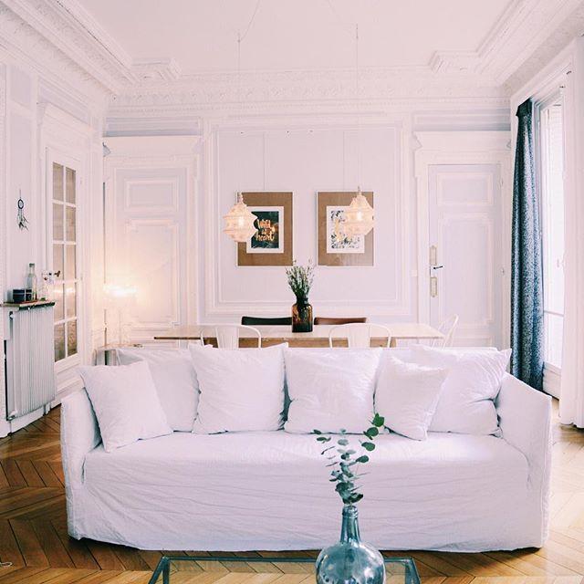 Jamais trop de moulures  #haussmann #salon #livingroom #decoration #myhome #deco #appartementparisien #paris #parisrivegauche