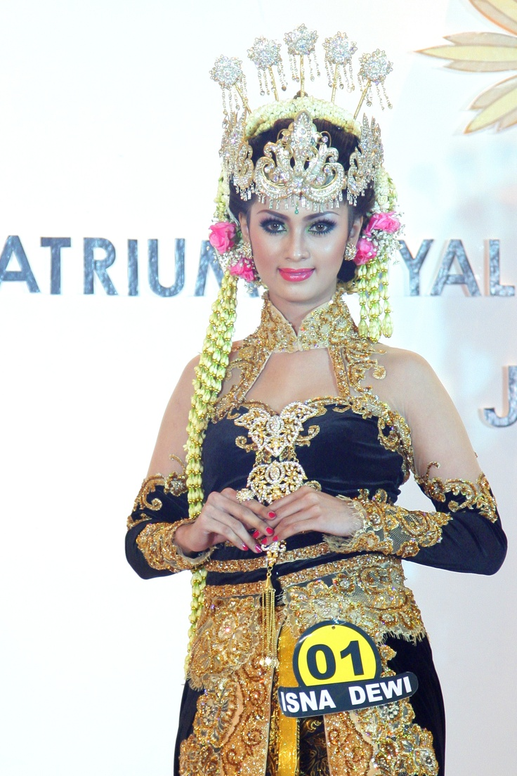 Javanese traditional bride gown