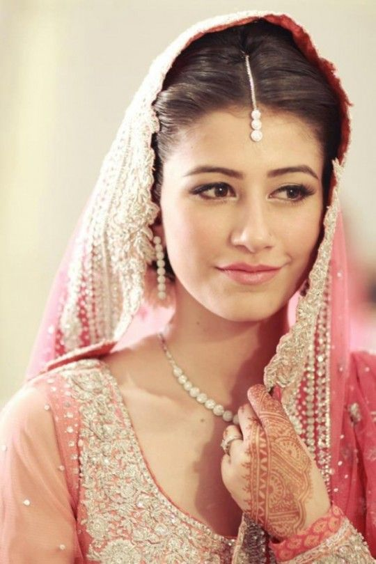 Simple makeup with pink undertones really brings out that bridal glow! #bridalmakeup by Raana Khan