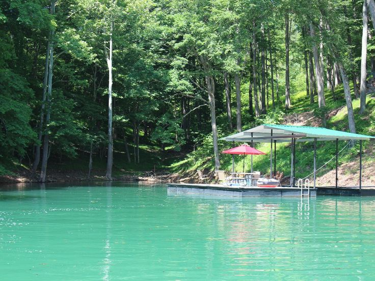 LaFollette Vacation Rental - VRBO 7961 - 5 BR Norris Lake House in TN, Deerfield Resort, Norris Lake, Lakefront Rental Home! FAVORITE! Sleeps 16 (4 families) good price, too