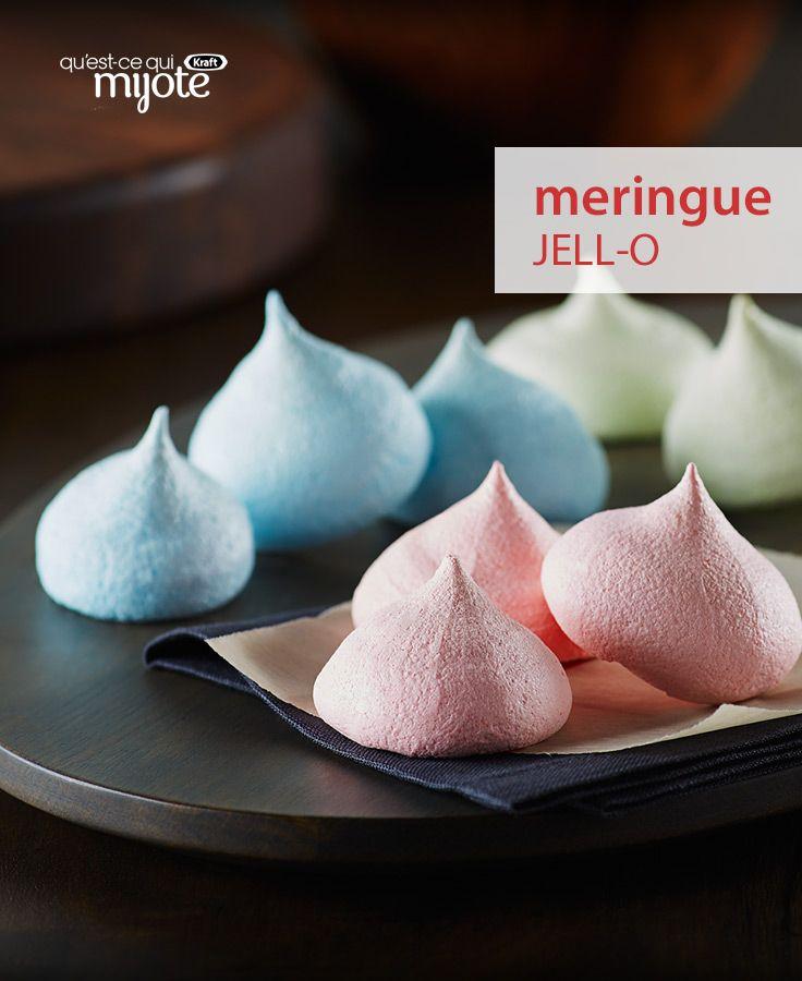 Incroyable qu'avec aussi peu que 4 ingrédients, on puisse faire d'aussi jolies mignardises multicolores pour égayer la fête. Cliquez pour obtenir cette #recette de Meringues au Jell-O.
