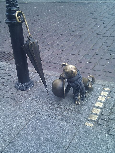 Little statue in Torun, Poland - Chaplin's dog