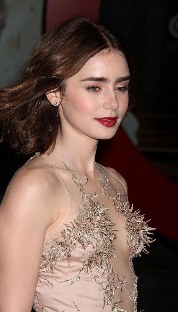 Lily Collins Hottest Pics And Bikini Photos 39 -2965