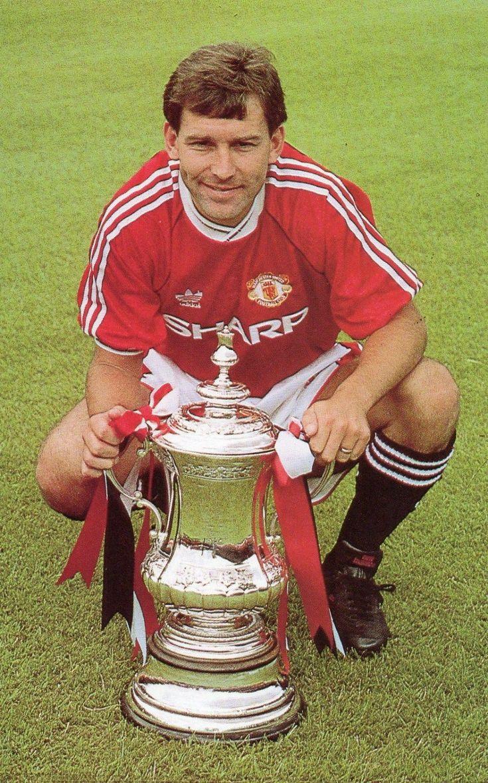 Bryan Robson of Man Utd in 1990.