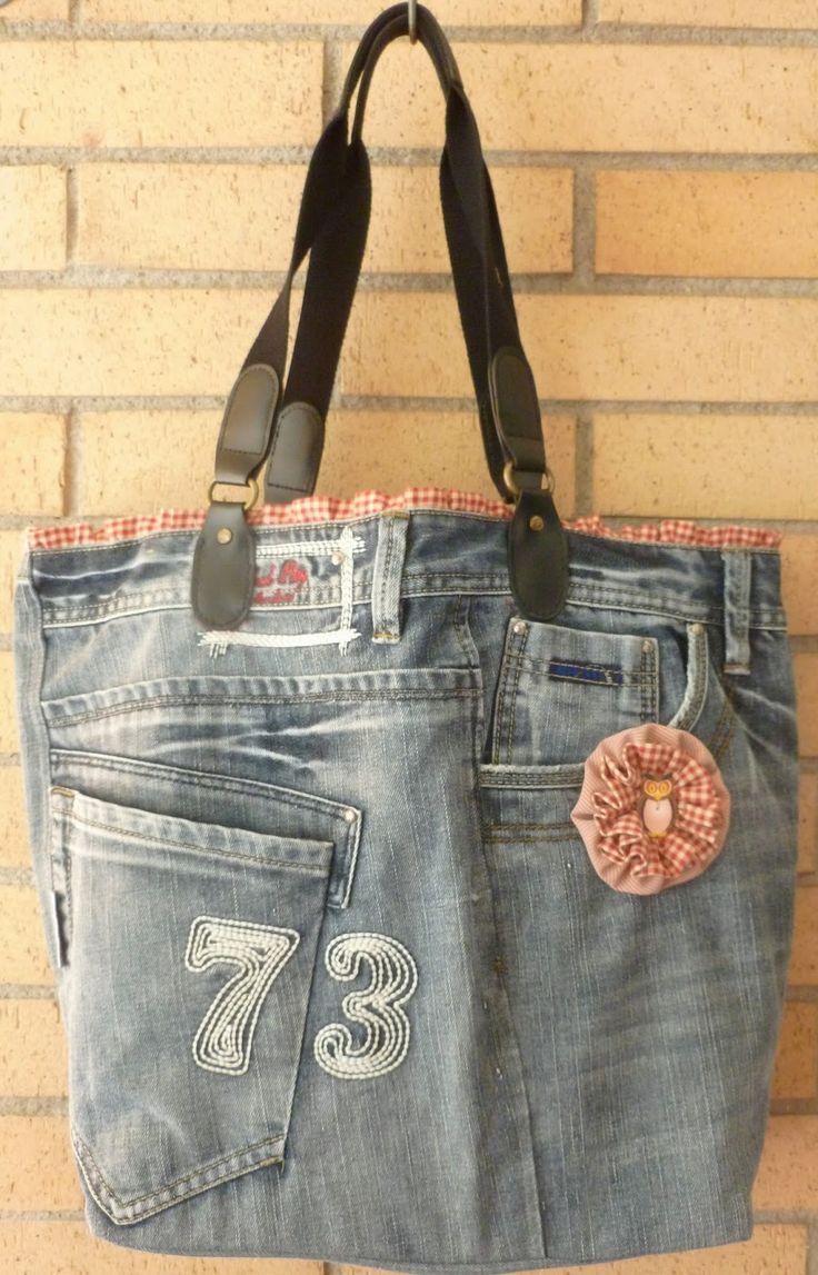 Patchwork y más : Bolso tejano reciclado. Para inspiracion solamente, no hay patron, pero me encanta la idea.