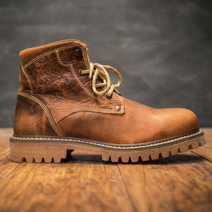 Montana Men's Buffalo Leather Hiking Boots