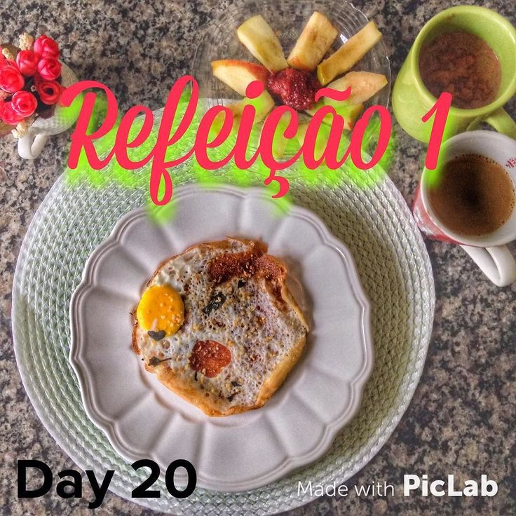 Quase na segunda ref e postando só agora  Refeição 1- Omelete 1 ovo  1 clara  Maçã com geléia de morango e chia  Mingau (na caneca mesmo ) de canela aveia e 2 claras  Cafézin  com leite de amêndoas  Bom mesmo é comer em casa  #dieta #instafit #fitness #nutricao #nopainnogain #teamgracyanne #lacfree #semlactose #lowcarb #teamtreta #emagrecendo #secar #emagrecercomsaúde #dietasemsofrer #dietasemgluten #teamgracyanne #teambellafalconi #secavaca #foco #teamtreta #emagrecercomsaúde by…