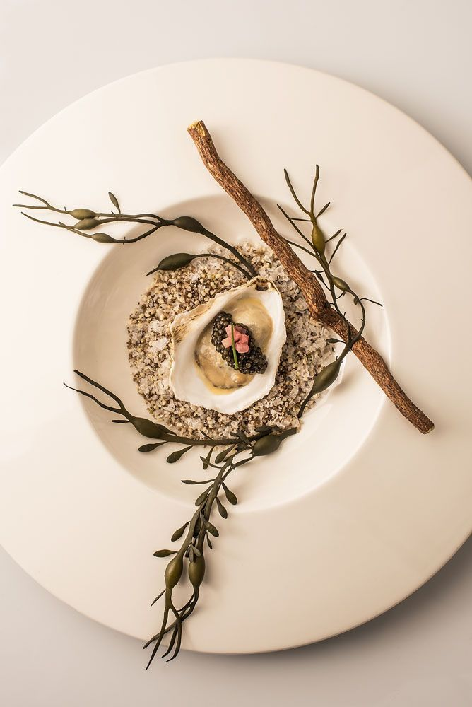 Pemaquid oyster, onion thyme cream, prime Osetra caviar.