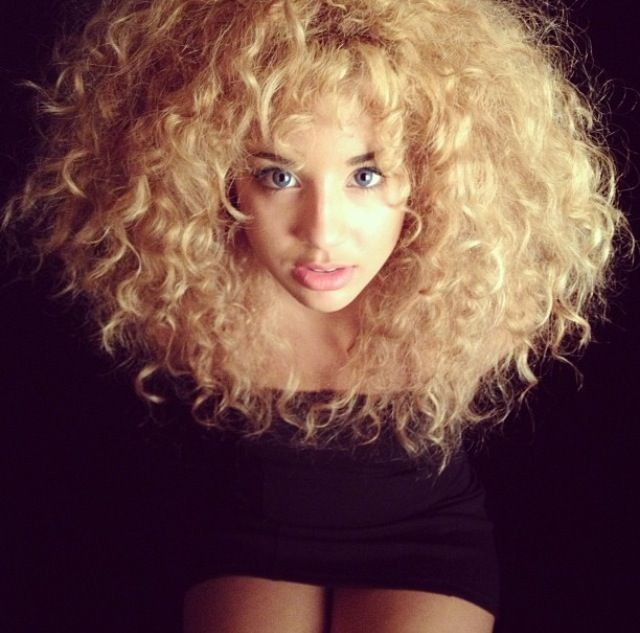 Best 25+ Thick frizzy hair ideas only on Pinterest | Frizzy hair ...