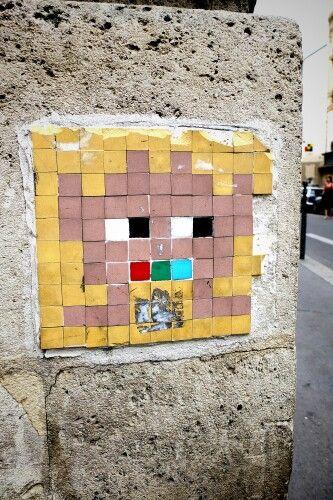 Space invader - street art - paris 3, rue charlot (jun 2013)