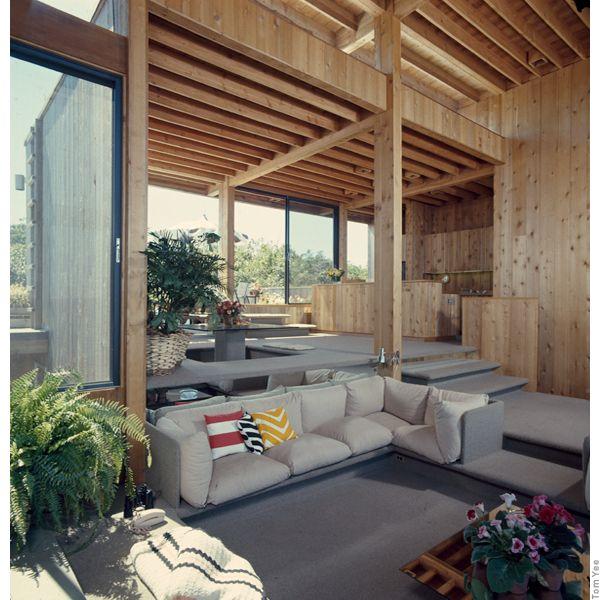 Warm Contemporary Interiors: Maderadearquitecto: BayWalk / TomYee