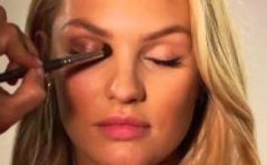 :::VİDEO:::-Victoria's Secret Melekleri Nasıl Makyaj Yapıyor CANDİCE SWANEPOEL