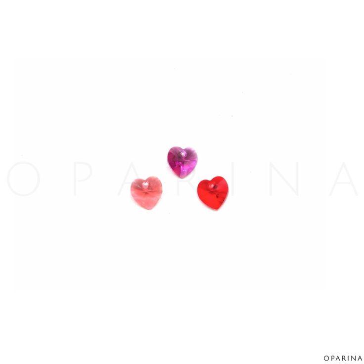 6228 10mm Crystal Xilion Heart Pendant de Swarovski Elements En colores Fuchsia, Padparadscha, Light Siam. #oparina #swarovski #swarovskielements #hearts #madewithstudio
