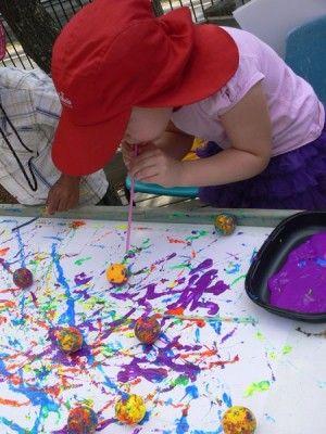 schilderen met ping pong balletjes
