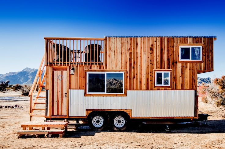 Disponibles à la location à Sandy Valley Ranch situé à une heure de Las Vegas tiny house  par OLD HIPPIE WOODWORKING AND DESIGN