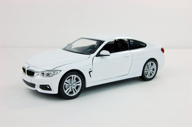 BMW 4-Series F32 M-Sport package White Diecast Car New Ray 1/24