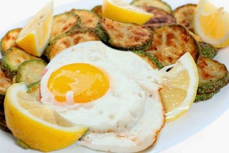 Αυγά μάτια με κολοκυθάκια στο τηγάνι(2 μονάδες)