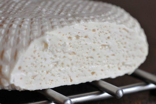 Blog o domowej produkcji serów dla osób, które nigdy nie zajmowały się tym tematem.