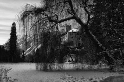 bwstock.photography - photo | free download black and white photos   //  #Alps, #monastery, #castle, #Petersberg, #winter