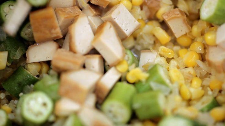 Crédito: GNT  Ingredientes     * 100g de tofu defumado     * ½ xícara de cebola…