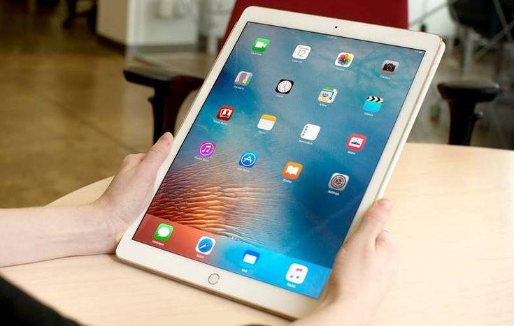 eMAG are zeci de oferte la tabletele iPad care beneficiaza de reduceri de pana la 1000 de LEI in campania promotionala Stock Busters din Romania astazi.
