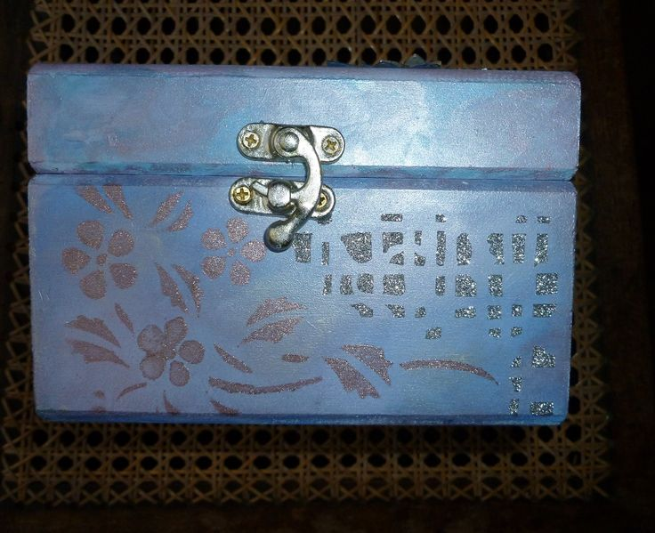 'Blue/pink & silver'  MDF box.  front  of  MDF box.   Imagination Craft's -  Products used as previous photo for Blue/pink & silver MDF box.   January 2016