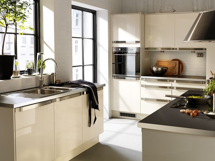 36 Best Cream Gloss Kitchens Images On Pinterest Cream Gloss Kitchen Kitchens And Cream