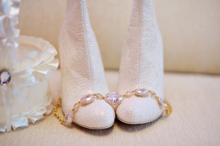 Свадебные аксессуары: обувь для зимней свадьбы