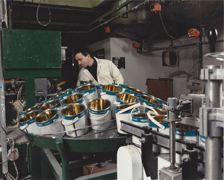 A peek into our factory in Virginia Co. Cavan from the mid-eighties. Did you know we used to make Tesco own-brand paint? Here is one of their cans on the sorting machine being filled with Vinyl Matt.
