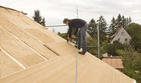 Płyta STEICOuniversal stanowi ciekawą alternatywę dla tradycyjnych rozwiązań pokryć dachowych
