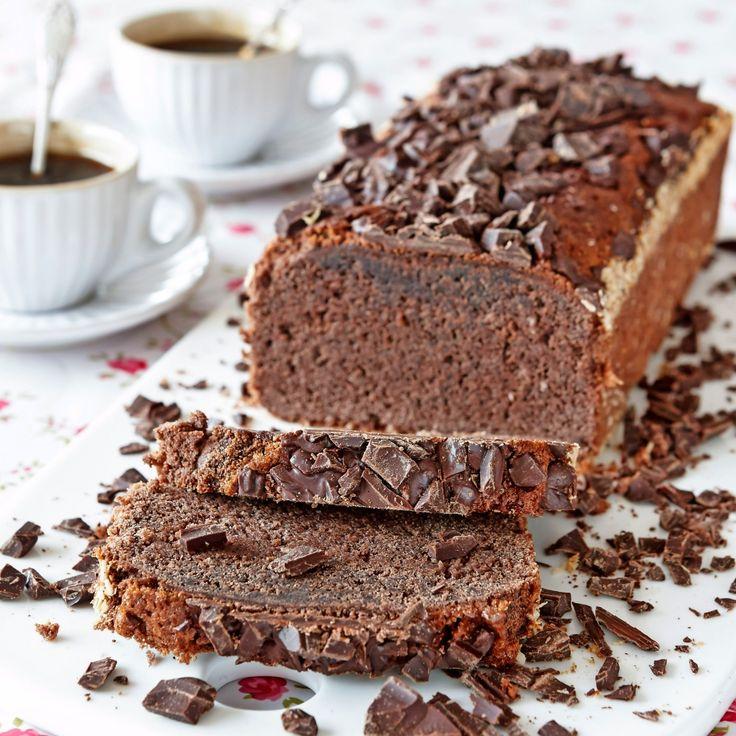Kalasgod mjuk chokladkaka,  toppad med krossad choklad.