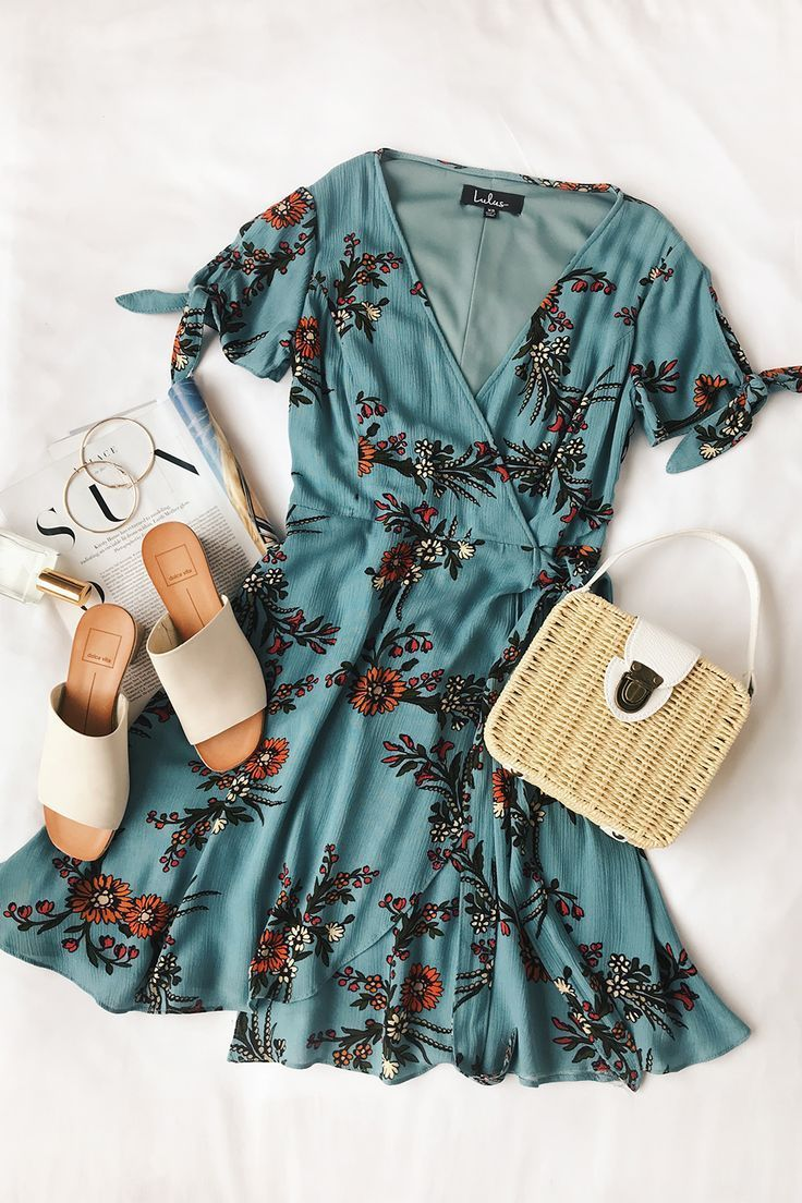 Kiss and Pastel Light Blue Floral Print Wrap Dress – Einkaufen