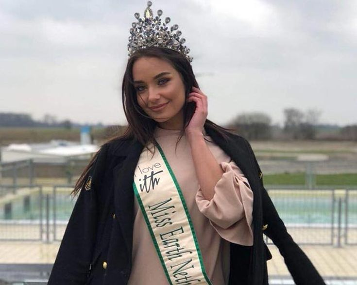 Miss Earth Netherlands 2017 Faith Landman, who is currently the ambassador of the Seal Center Zeehondencentrum Pieterburen, was seen fulfilling her duties at the facility by tending to sick seals. | Information | Contestants | Winners | Hall of Fame | News | Video Gallery | Photo Gallery | Angelopedia