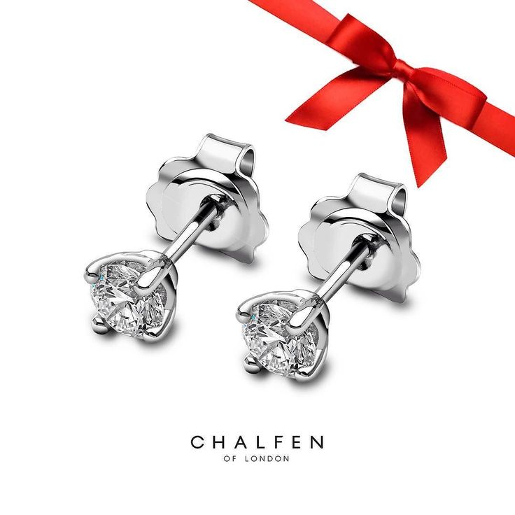 These sparkling @chalfen_of_london diamond stud earrings are 45% off the original price today and tomorrow - a must have accessory for any jewellery collection. To place your order and find out more please contact us via email: info@baileyandsons.co.uk #blackfriday #platinum #diamond #emerald #sapphire #ruby #handmade #jewellery #diamondjewellery #gold #berkhamsted #hertfordshire #london #watch #luxury #england #engagementring #wedding #weddingring #baileyandsons #raymondweil…