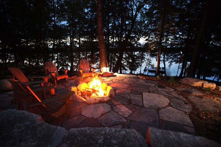 Cottage landscaping fire pit