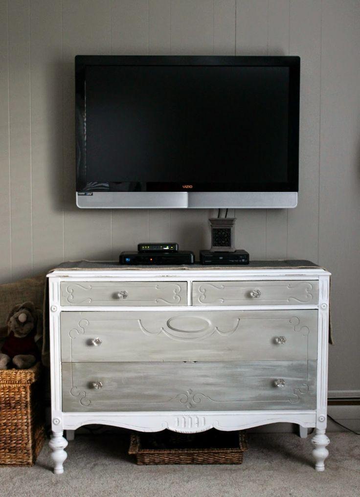 Grace Lee Cottage: Antique TV Stand
