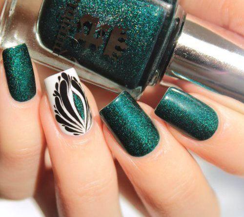decoracion de uñas verdes con escarcha