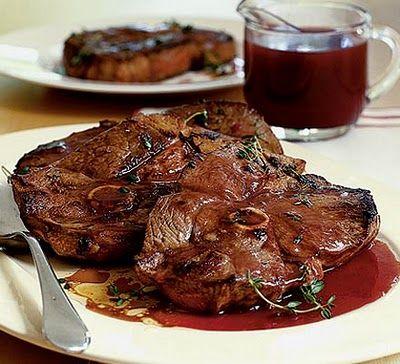 Ogumājas - laimīgas mājas: Ko gatavosim svētkos? Jēra gaļu portvīna / dzērveņu mērcē.