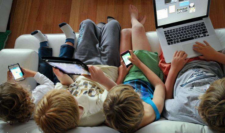 My Mommy : Γράφει η Μαρία Βερβέρη - Παιδοψυχολόγος. Το διαδίκτυο σήμερα αποτελεί το εργαλείο που μας ανοίγει τον δρόμο στη γνώση, στην ενημέρωση, στη ψυχαγωγία .