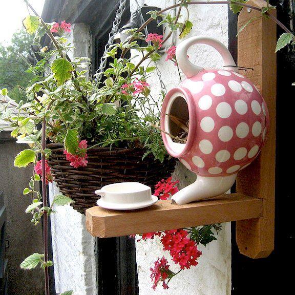 Teapot Bird House - 22 Gorgeous And Unique Birdhouse Designs